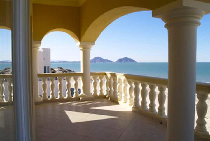 Casa Del Sol Luxury Beach Front Home