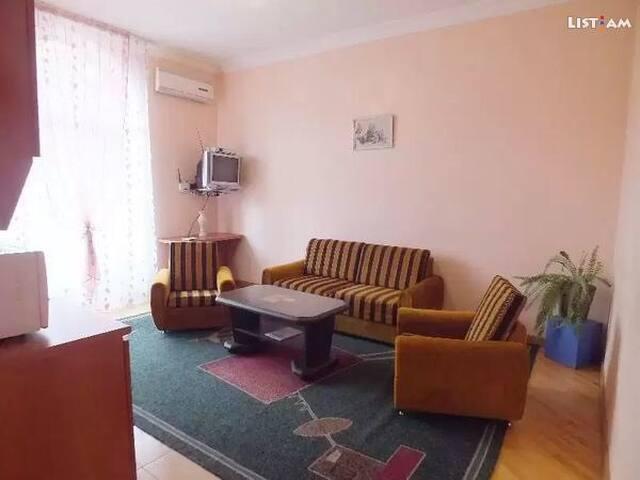 Малый центр, со всей техникой 2-шка - Ереван - Appartement
