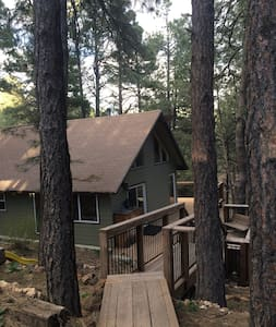 Cozy Mountain Bungalow--Spring Specials! - Flagstaff
