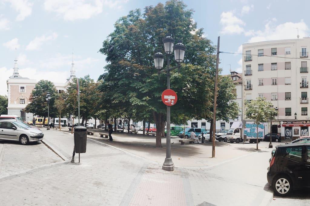 The Flee Market square of El Rastro