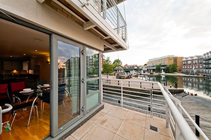 The Island Brentford - Brentford - Apartamento