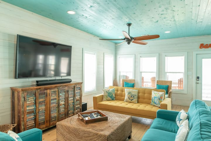 Beach Therapy: Community Pool, Grill, Close to Beach,Pet Friendly
