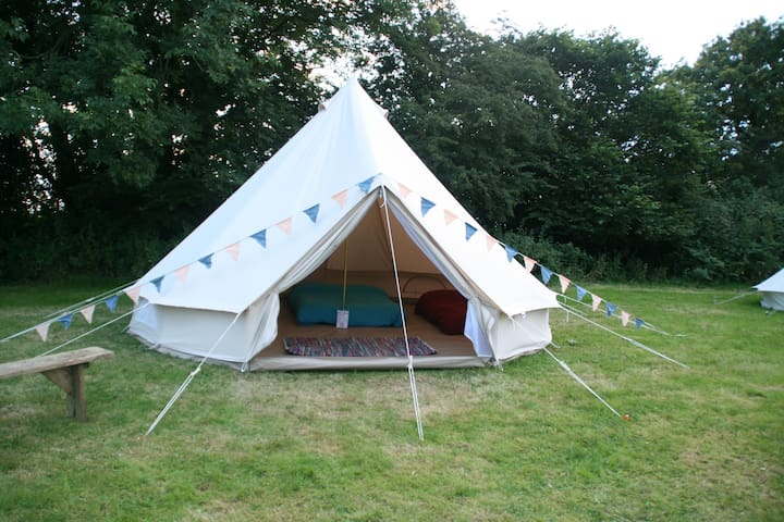Go Wild Adventures 5m Bell Tent Simple Glamping - Saint Clears - Tält