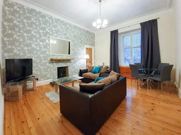 Linburn House Apartment near M90 Amazon