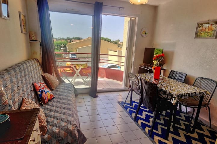 Studio with terrace 50 m from the beach. Réf. 3393