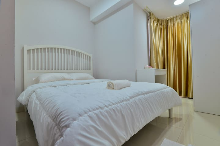 Comfy Apt at Mansion Bougenville-Gloria Kemayoran