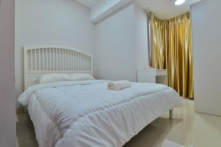 Comfy Apt at Mansion Bougenville-Gloria Kemayoran