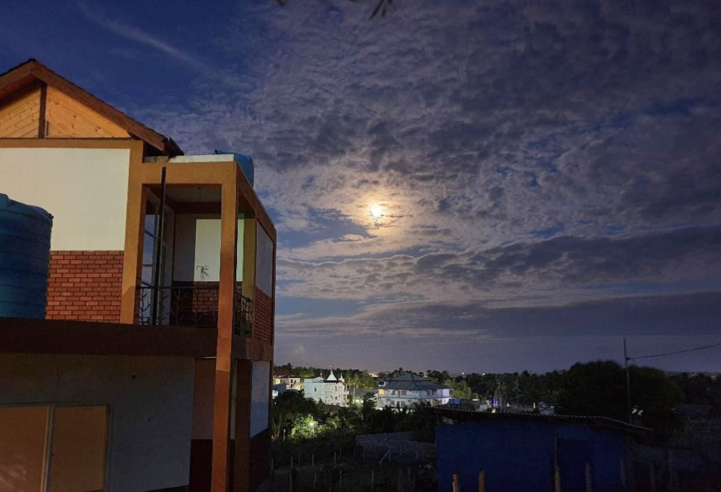 Enjoy your quiet and relaxing stay and definitely a good night's rest with the sea breeze blowing in through the balcony windows. Very calm and breezy location just 500m from the beautiful beach.