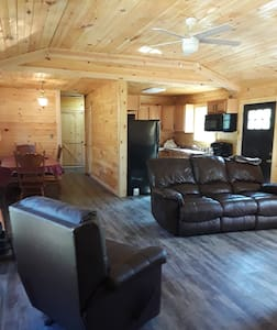 Entire cabin-not far from RRG and Natural Bridge!