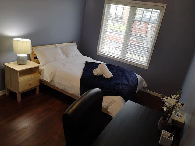 Nice and cozy room near York university  #2