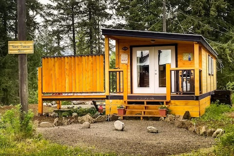 "Our  North Thompson Oasis -- ""The Hideaway"" Cabin"
