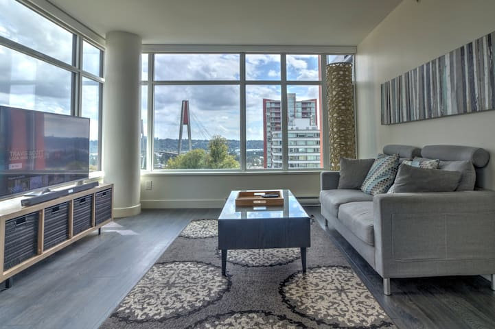 Incredible Bridge View Modern Condo by skytrain