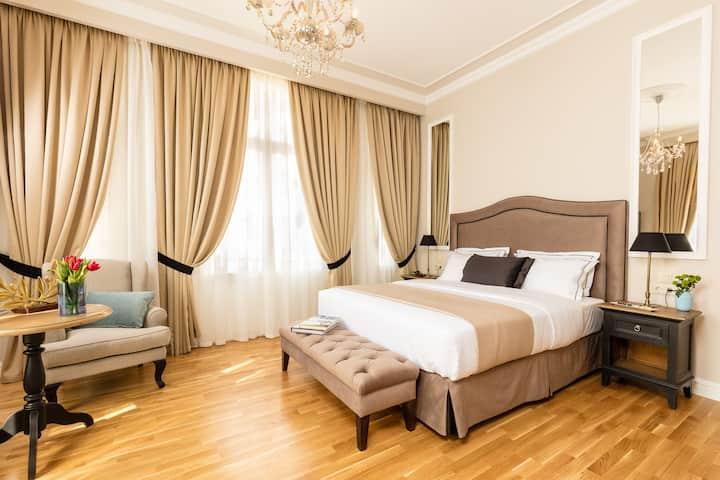 Corner Suite By Athens Mansion