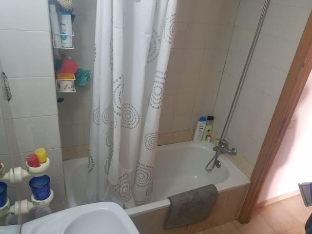 Baño de uso exclusivo para los huéspedes