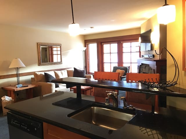 Slope Side 1 Bd/Den- Squaw Valley - Olympic Valley - Daire