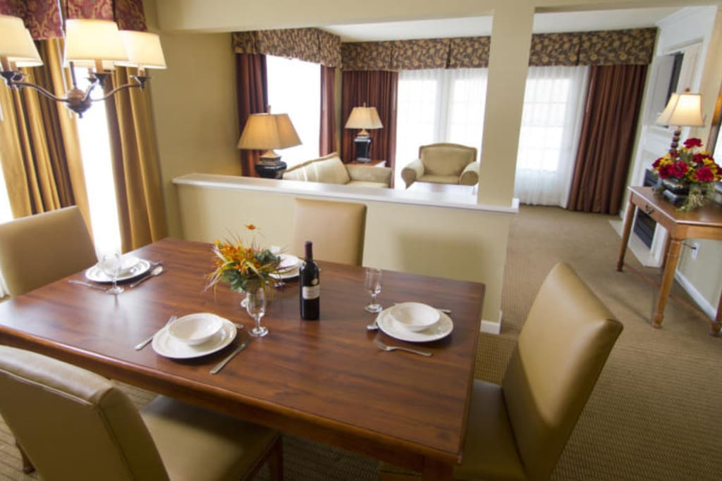 Decor will vary by unit location within the complex.