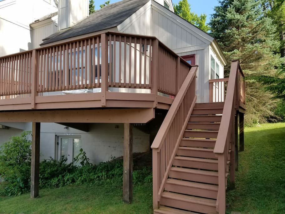 Steps to deck and main floor.