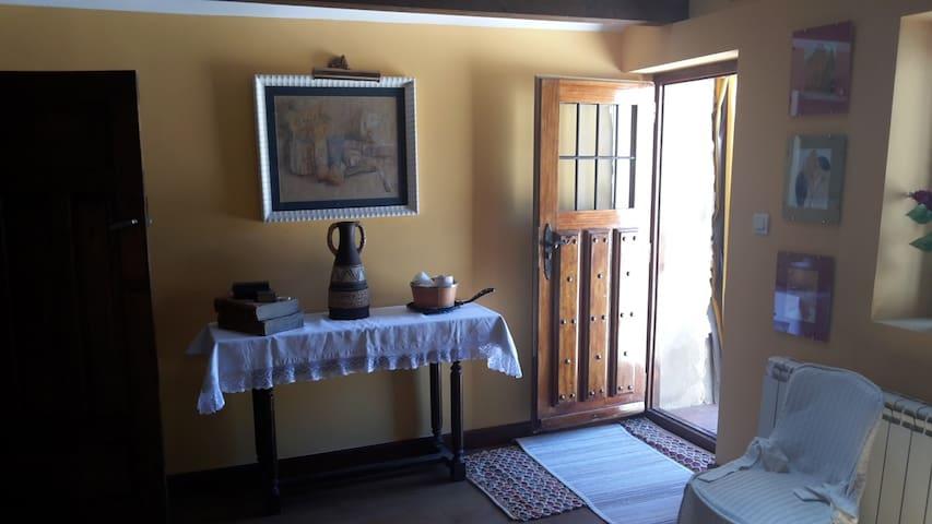 Casa Rural Perico - Parque Natural Montes Obarenes - Cubilla de la Sierra - Hus