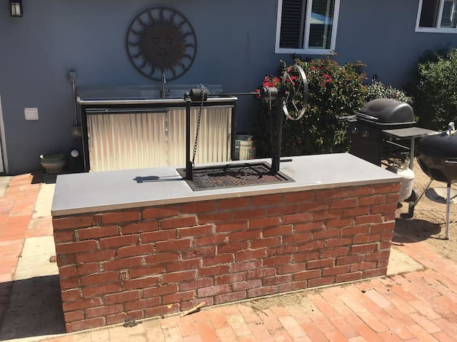 Santa Maria Style BBQ, Gas BBQ, Weber and outdoor sink with disposal.