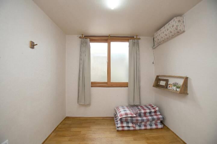 안채 작은방 - 남원역과 가까운 한옥 게스트하우스