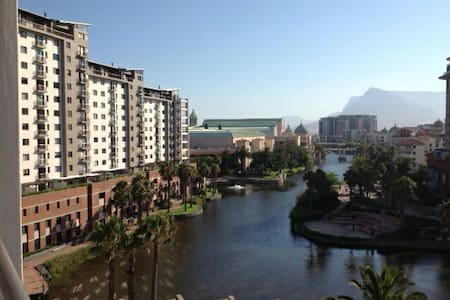 KNIGHTSBRIDGE TOWERS, CENTURY CITY - Cape Town - Apartemen