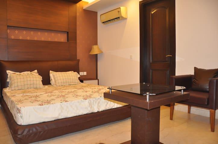 7 Suites - Neu-Delhi - Bed & Breakfast