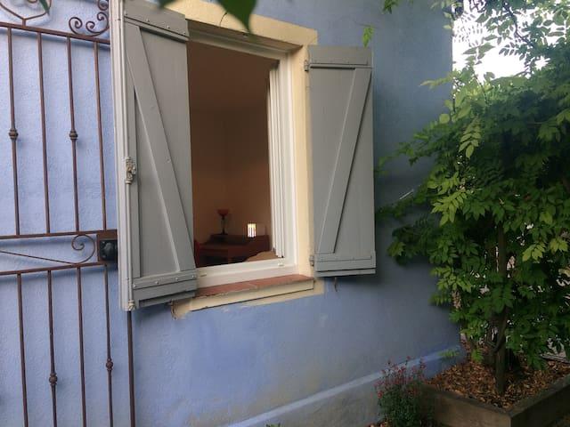 petite maison indépendante entre Cannes et Grasse