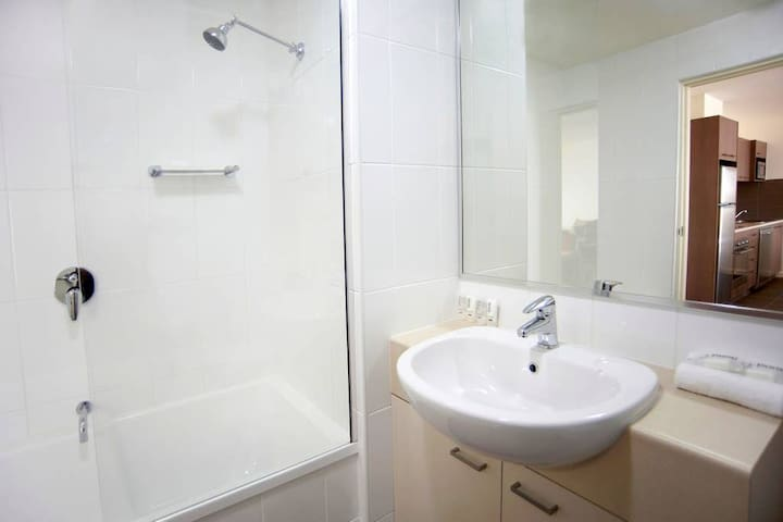 Bath in second bathroom