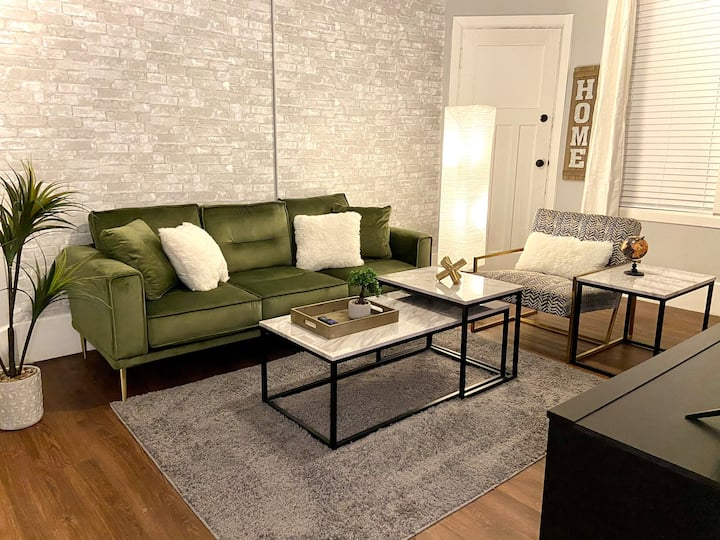 NEW! Cozy Stay in Newly Decorated Apt, in Midtown!