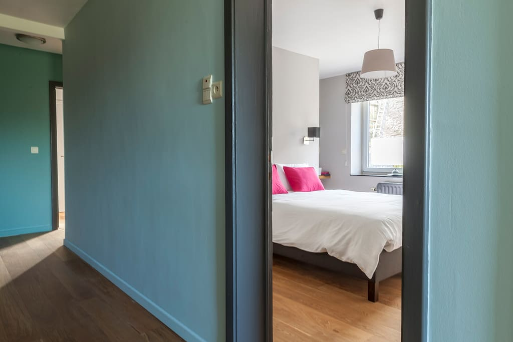 At home chambre c t fontaine dochamps chambres d for Chambre hote wallonie