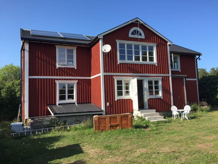 Charming house on large property on Vätö, Suite
