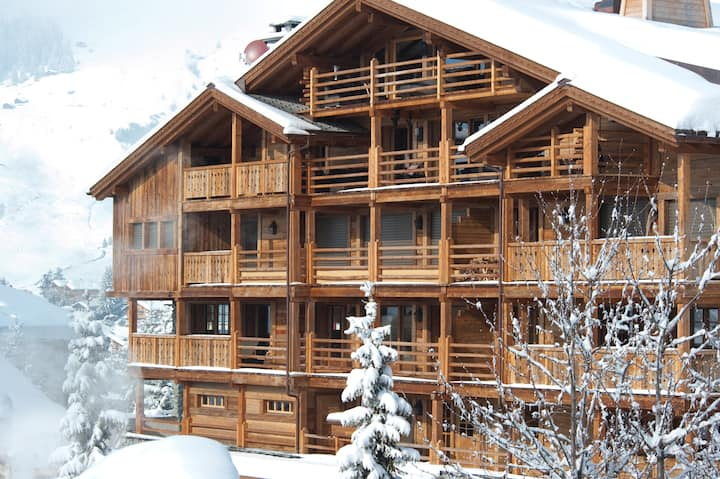 Luxury 4 bedroom Chalet in the heart of Verbier