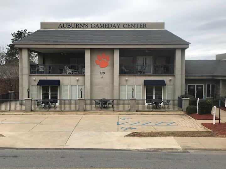 FABULOUS Condo - Closest to AU Stadium, Arena