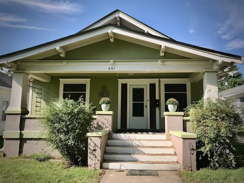 ~Family Gathering~Charming Country Bungalow~ 3BR!