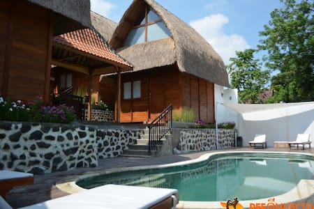 Traditional DLX Bungalow, pool, FREE box training - Kuta Utara - Bungaló