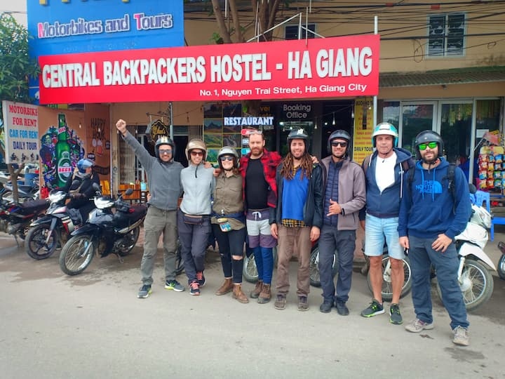 Central Backpackers Hostel Ha Giang & Tour