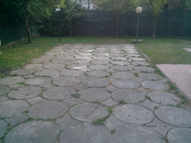 Fittasi villa con giardino - Sperlonga - Villa