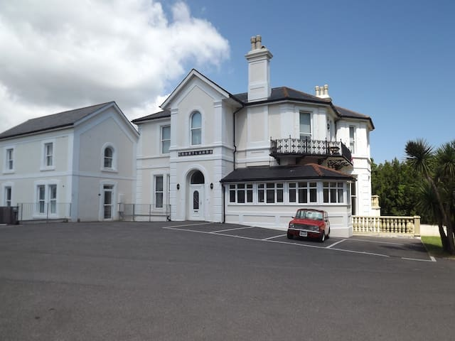 1 courtlands-  Self Catering Victorian Apartment - Torquay - Lejlighed