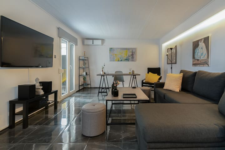 Luxurious House in Glyfada(near metro station)C8