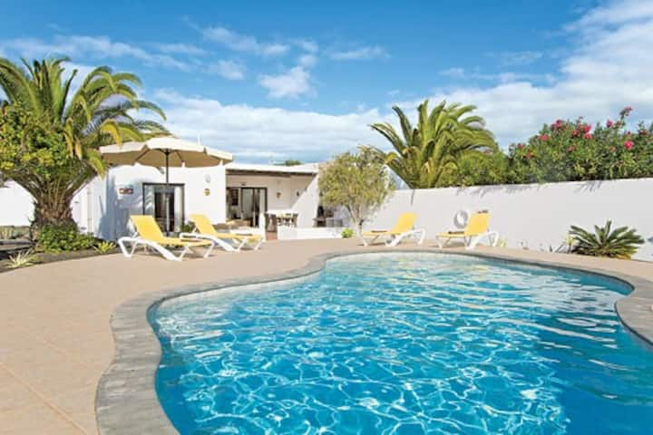 Exquisite Casa Paula-Heated Pool-WiFi & SKY TV