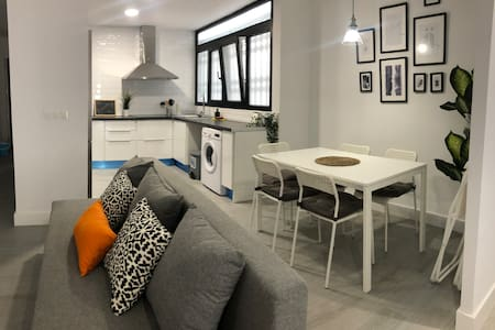 ALICANTE APARTMENT. 9 min from beach. For 7 people
