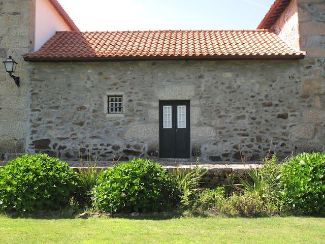 Casa da Adega (T1), na Casa de Lamas