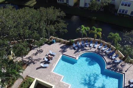 Budget-Minded Traveler Getaway - Sarasota