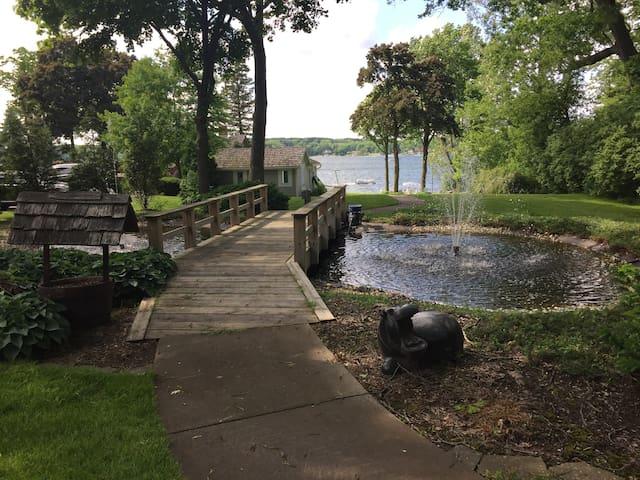 Beautiful Lakefront Estate