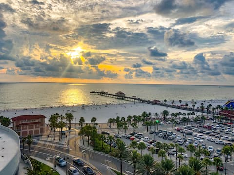 Newly Upg'd Suite in Heart of Clearwater Beach!