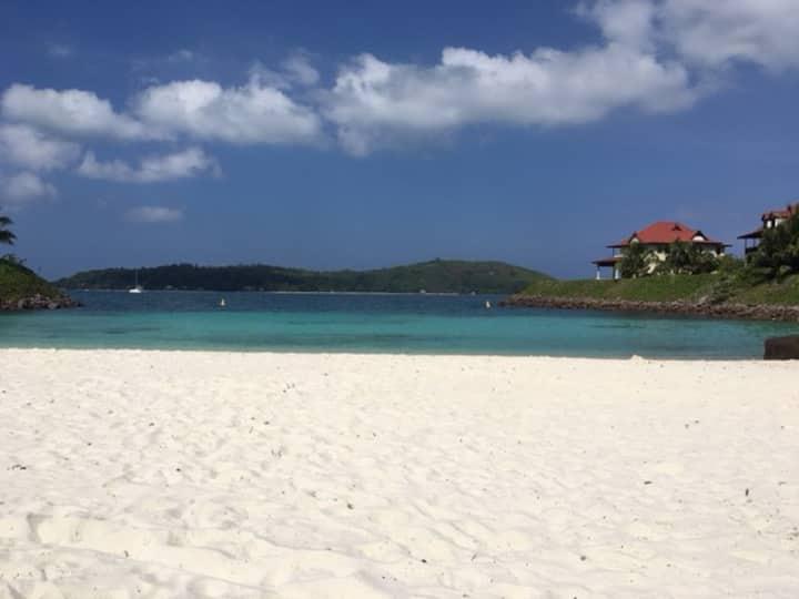 """Appartement Paradisiaque sur Ile """"Eden Island"""""""