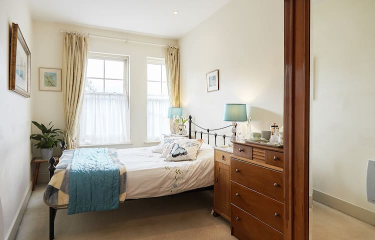 Elegant double room, centre of Crystal Palace