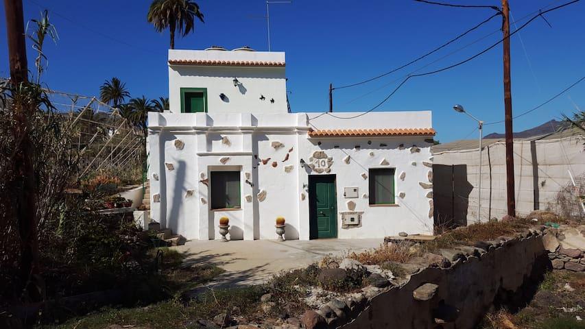 Casa con mucha tranquilidad, pocos vecinos. - 拉斯帕爾馬斯(Las Palmas) - 獨棟