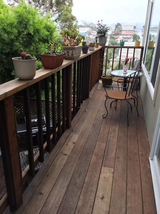 Balcony outdoor (2nd story)