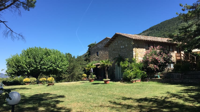 "NATIVO-""Country slow living in Umbria""-Il CAMINO"